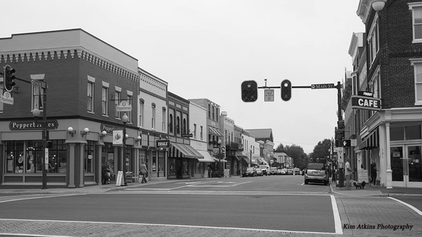 Black and White Image of Davis Street